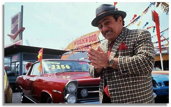 Danny-de-Vito-vendedor-de-coches-usados-en-Matilda